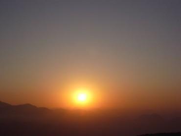 クンジャプリの朝陽