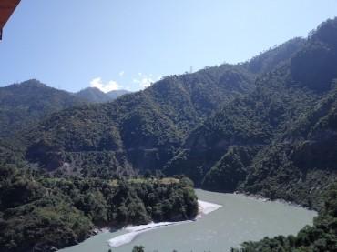 どこか懐かしい風景…聖地リシケシとガンガーの流れ