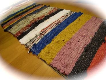 当時のつなぎリレーで織ったマット第一号(笑)